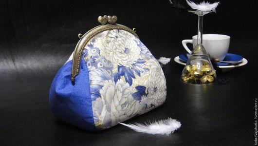 Женские сумки ручной работы. Ярмарка Мастеров - ручная работа. Купить Женская косметичка с фермуаром Клатч сумка Синяя дымка Подарок подруге. Handmade.