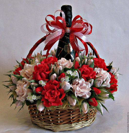 Персональные подарки ручной работы. Ярмарка Мастеров - ручная работа. Купить Подарочная корзина с розами. Handmade. Комбинированный, корзина плетеная