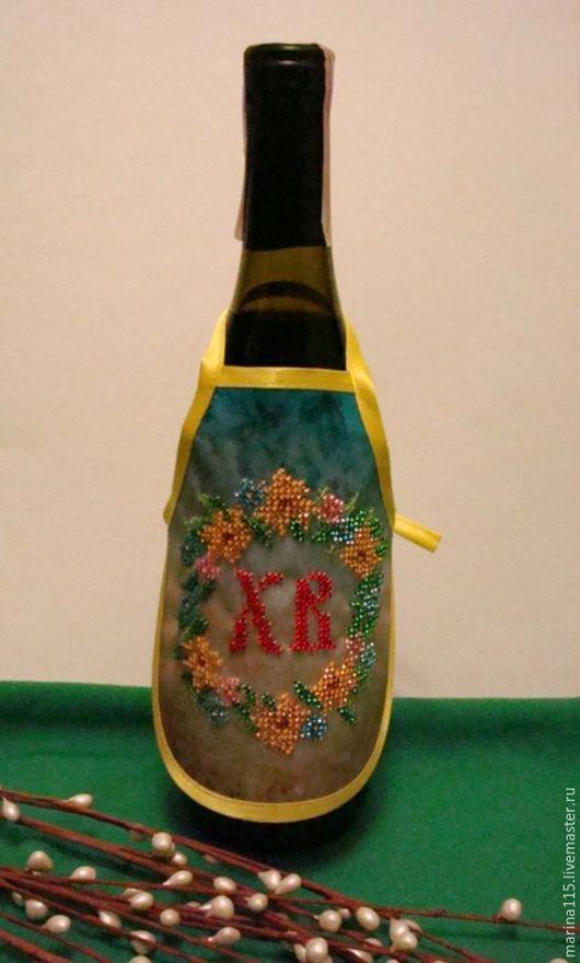Подарки на Пасху ручной работы. Ярмарка Мастеров - ручная работа. Купить Фартук на бутылку(ручная работа). Handmade. Золотой, одежда для бутылок