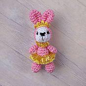 Куклы и игрушки ручной работы. Ярмарка Мастеров - ручная работа Принцесса Амелия - розовый вязаный зайчик амигуруми. Handmade.