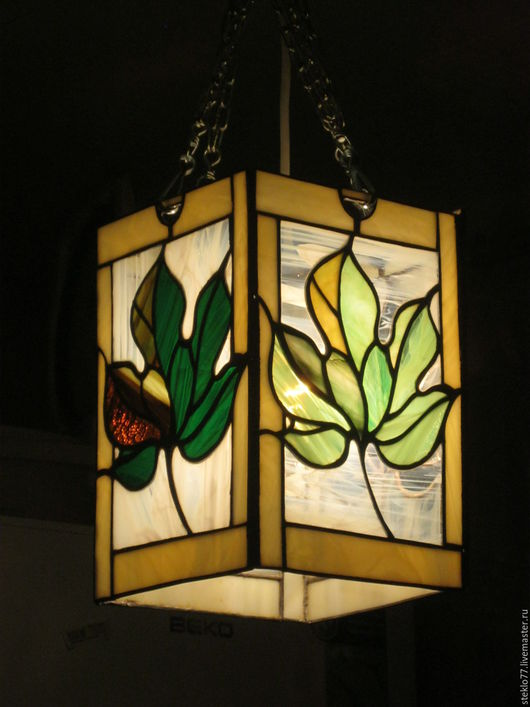Освещение ручной работы. Ярмарка Мастеров - ручная работа. Купить Светильник витражный. Handmade. Зеленый, листья, витражные украшения