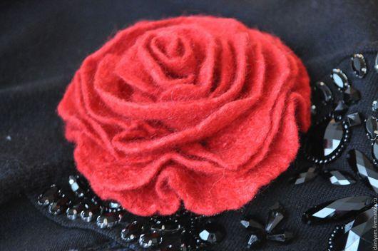 Броши ручной работы. Ярмарка Мастеров - ручная работа. Купить Брошь-роза из войлока. Handmade. Аксессуары, роза ручной работы