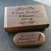 Флешки ручной работы. Ярмарка Мастеров - ручная работа Деревянная флешка с гравировкой, сувенирная, подарочная. Handmade.