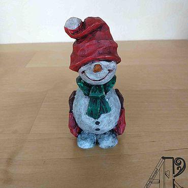 Фигурка миниатюра из дерева резная Снеговик Елочная игрушка деревянная