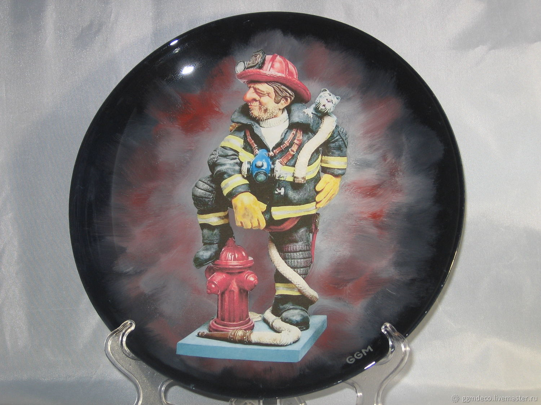 Декоративная посуда ручной работы. Ярмарка Мастеров - ручная работа. Купить Декоративная тарелка Пожарный. Handmade. Кот, комбинированный, пожар