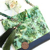 Сумки и аксессуары handmade. Livemaster - original item Green frogs-frog) bag crossbody NAT leather black green buy. Handmade.