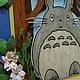 Детская открытка `В гостях у Тоторо`. Текстура деревьев на открытке прорисована.