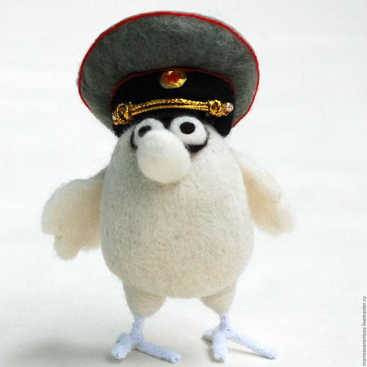 Птичка-военный красивый,  маленький, но гордый...