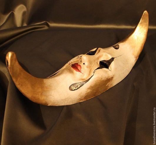 Интерьерные  маски ручной работы. Ярмарка Мастеров - ручная работа. Купить Маска венецианская Луна Пьеро (интерьерная). Handmade. Золотой