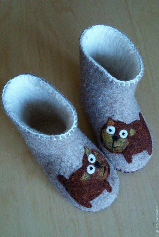 """Детская обувь ручной работы. Ярмарка Мастеров - ручная работа. Купить Тапочки детские """"Котики"""". Handmade. Бежевый, тапочки из шерсти"""