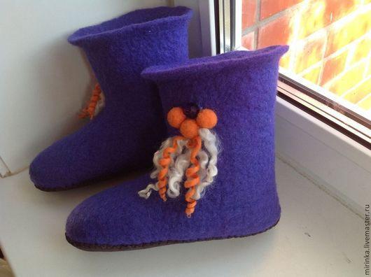 Обувь ручной работы. Ярмарка Мастеров - ручная работа. Купить Валенки домашние -чуни. Handmade. Тёмно-фиолетовый, тапочки домашние