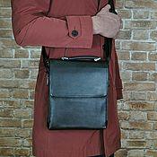 Сумка через плечо ручной работы. Ярмарка Мастеров - ручная работа Сумка мужская кожаная через плечо (сумка-планшет). Handmade.