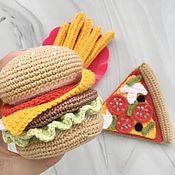 Кукольная еда ручной работы. Ярмарка Мастеров - ручная работа Вязаные игрушки ручной работы «Фастфуд», пицца, бургер. Handmade.