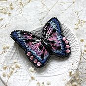 Брошь бабочка с кристаллом Swarovski