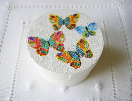 Шкатулки ручной работы. Ярмарка Мастеров - ручная работа. Купить Коробка Бабочки. Handmade. Маленькая коробка, белый цвет, лак