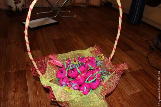 Букеты ручной работы. Ярмарка Мастеров - ручная работа. Купить Тюльпаны в корзине. Handmade. Фуксия, букет цветов, цветы из бумаги