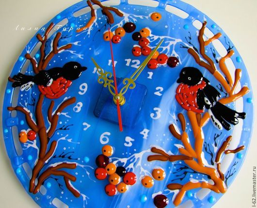 Часы для дома ручной работы. Ярмарка Мастеров - ручная работа. Купить часы из стекла, фьюзинг  Снегири прилетели. Handmade.