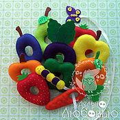 """Куклы и игрушки ручной работы. Ярмарка Мастеров - ручная работа Развивающая игрушка-шнуровка """"Голодная гусеница"""". Handmade."""