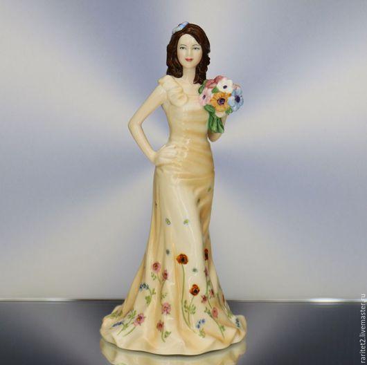 Винтажные предметы интерьера. Ярмарка Мастеров - ручная работа. Купить Девушка с цветами ROYAL DOULTON Англия 9. Handmade. Разноцветный