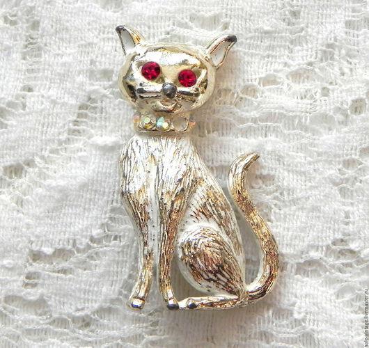 Реставрация. Ярмарка Мастеров - ручная работа. Купить Брошь Кошка,котик,кот,США,нет одной стразы,винтажная брошка,винтаж. Handmade.