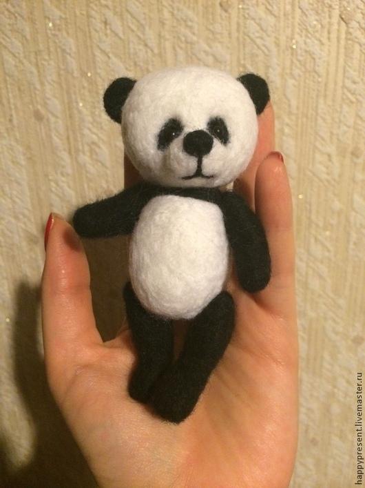 Игрушки животные, ручной работы. Ярмарка Мастеров - ручная работа. Купить Маленькая панда. Handmade. Чёрно-белый, игрушка, подарок
