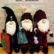 Мягкие игрушки ручной работы. Ярмарка Мастеров - ручная работа Мягкие игрушки: гном с подарком !)). Handmade.