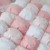 Работы для детей, ручной работы. Ярмарка Мастеров - ручная работа Одеяло-бомбон в детскую кроватку. Handmade.