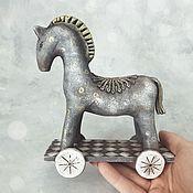 Мягкие игрушки ручной работы. Ярмарка Мастеров - ручная работа Лошадка в стиле примитив. Handmade.