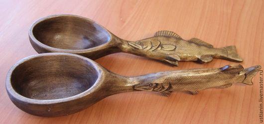 Ложки ручной работы. Ярмарка Мастеров - ручная работа. Купить Деревянная резная ложка в подарок рыбаку. Handmade. Коричневый