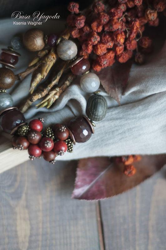 """Браслеты ручной работы. Ярмарка Мастеров - ручная работа. Купить Браслеты """"Зимние ягоды"""". Handmade. Браслеты с камнями, красно-коричневый"""