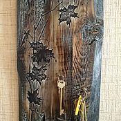 Для дома и интерьера ручной работы. Ярмарка Мастеров - ручная работа Ключница с листочками и коваными гвоздями. Handmade.