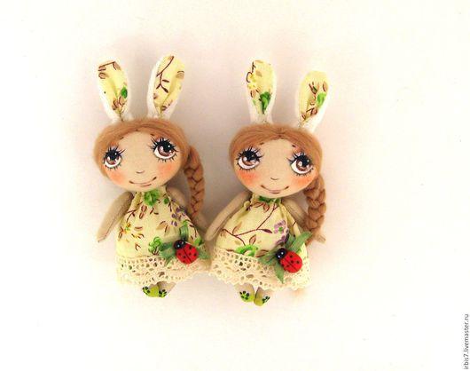 Коллекционные куклы ручной работы. Ярмарка Мастеров - ручная работа. Купить Брошки- зайки 2. Handmade. Комбинированный, зайчик