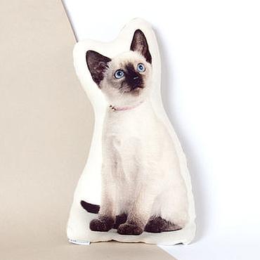 Для дома и интерьера ручной работы. Ярмарка Мастеров - ручная работа Сиамская кошка. Декоративная подушка в виде котенка. Handmade.