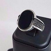 Мужское кольцо с ониксом.