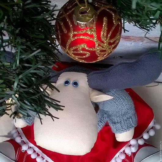 Игрушки животные, ручной работы. Ярмарка Мастеров - ручная работа. Купить Новогодний лось в одежде и кедах. Handmade. Разноцветный, тесьма