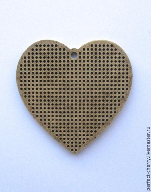 """Вышивка ручной работы. Ярмарка Мастеров - ручная работа. Купить Основа для вышивания """"Сердце с петлей в центре"""". Handmade. Бежевый, двп"""
