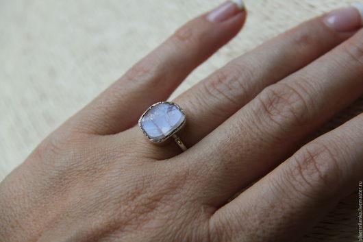 Кольца ручной работы. Ярмарка Мастеров - ручная работа. Купить Лунный камень неграненый - тонкое колечко. Handmade. Кольцо, белый
