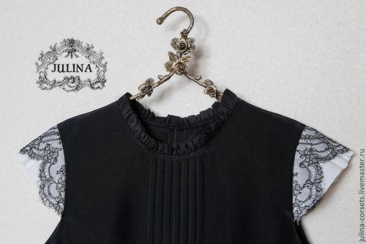 Блузки ручной работы. Ярмарка Мастеров - ручная работа. Купить Блузка шелковая черная с кружевом и защипами. Handmade. Черный
