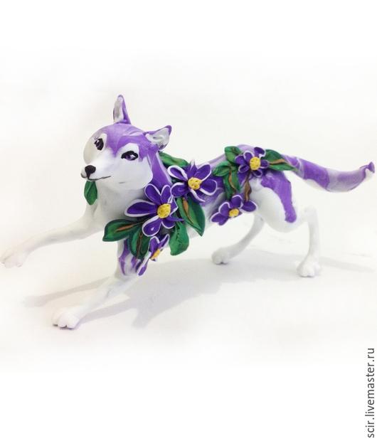 """Игрушки животные, ручной работы. Ярмарка Мастеров - ручная работа. Купить фигурка """"Фиалковый волк"""" (статуэтка фиолетового волка с фиалками). Handmade."""