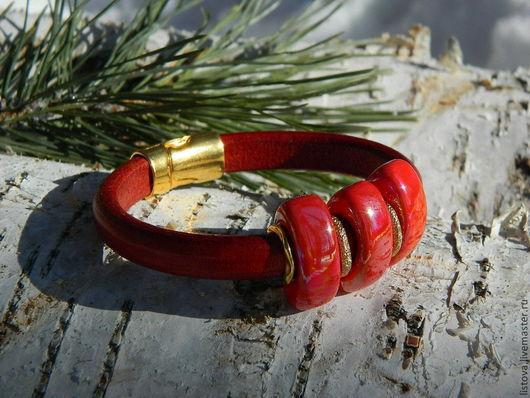 Браслеты ручной работы. Ярмарка Мастеров - ручная работа. Купить Кожаный браслет Regaliz красный Праздничный). Handmade. Браслет, regaliz