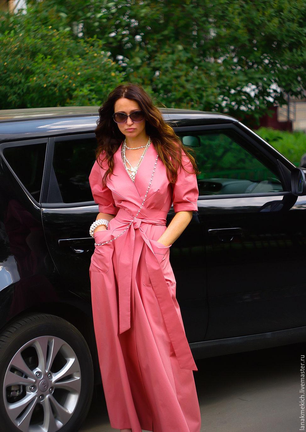 Платье с длинной пышной юбкой