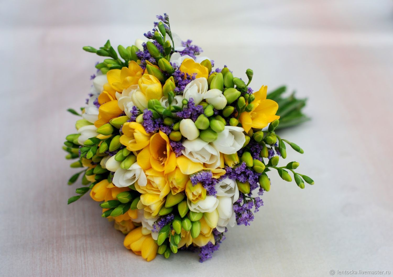 Яркий свадебный букет из фрезий купить, цветы