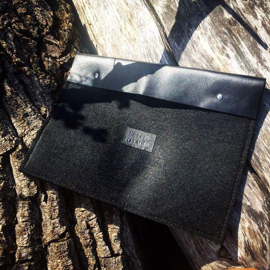 Для телефонов ручной работы. Ярмарка Мастеров - ручная работа. Купить Сумка чехол для ноутбука (макбука) из кожи и фетра. Handmade.