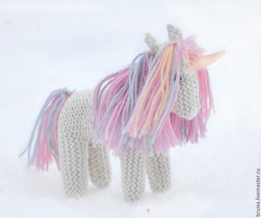 Белый единорог игрушка вязаная – заказать на Ярмарке Мастеров – 7Z8L2RU | Вальдорфские куклы и звери, Хапаранда