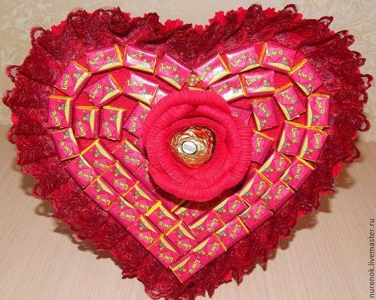 """Подарки для влюбленных ручной работы. Ярмарка Мастеров - ручная работа. Купить Букет из жвачки """"Love is..."""" Валентинка. Handmade."""
