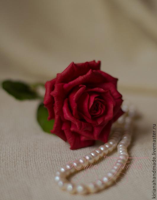 Цветы ручной работы. Ярмарка Мастеров - ручная работа. Купить Ярко-алая роза. Керамическая флористика. Handmade. Ярко-красный