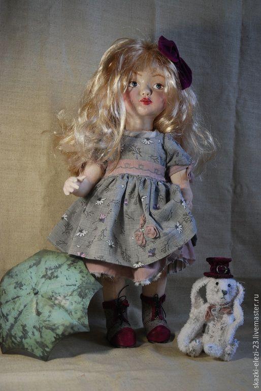 Коллекционная кукла ручной работы. Handmade. Ярмарка мастеров - ручная работа. Авторская кукла. Алиса с кроликом. Интерьерная кукла. Купить куклу. Подарок. Кролик белый. Смешанная техника. Ретро стиль