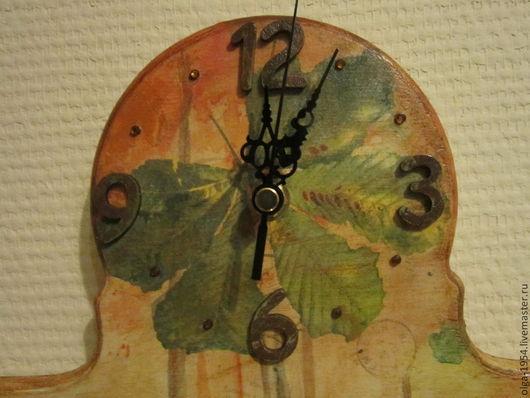 """Часы для дома ручной работы. Ярмарка Мастеров - ручная работа. Купить Часы-ключница """"Теплые осенние деньки. Каштан, клены"""". Handmade."""