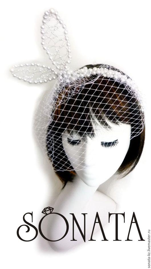 Свадебные украшения ручной  работы.Ярмарка Мастеров-ручная работа.Свадебный ободок с ушками и вуалью `Kiss`.Handmade.Цвет-белый,серебро.