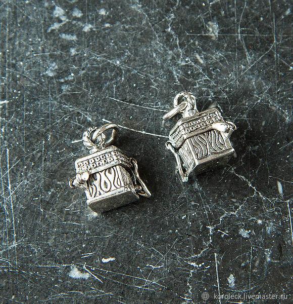 Маленькая серебряная подвеска-талисман Куб, Подвески, Москва,  Фото №1